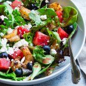 Couscous salade met feta, rucola en avocado