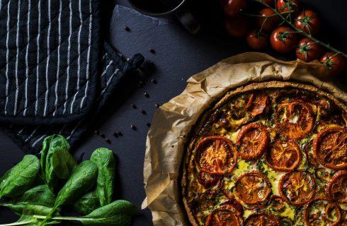 Quiche met broccoli, tomaten en olijven