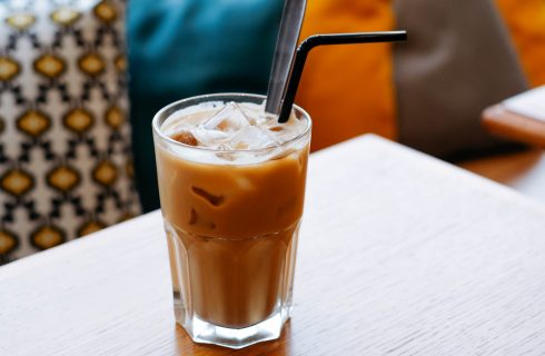 Vegan Thai IJskoffie: super gemakkelijk om thuis te maken!