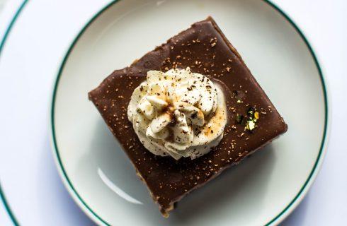Zo maak je super gemakkelijk een heerlijke twix taart!