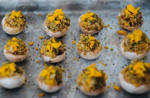 Gevulde champignons met quinoa en mango