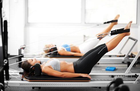 Strak de zomer in met de nieuwste sporttrend: Reformer pilates