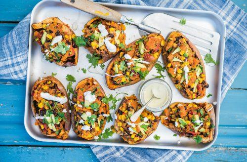 Mexicaanse gevulde zoete-aardappelschillen