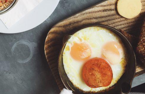 Deze hartige havermout bowl met een eitje heb je zo bereid!