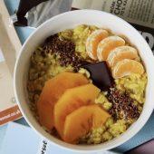 Recept: ontbijt met deze vullende en warme choco porridge