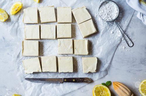 Simpel te bereiden magere citroenkwarktaart