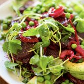Overheerlijke salade met gedroogde abrikozen