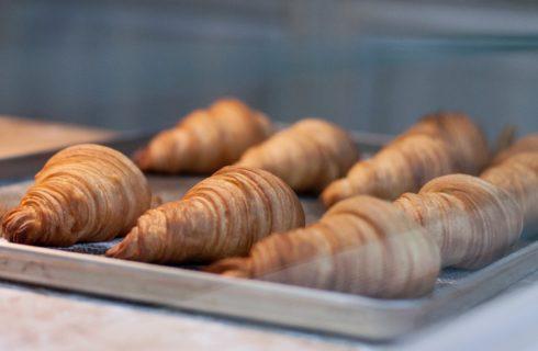 Voor bij de borrel: Croissantjes gevuld met spinazie