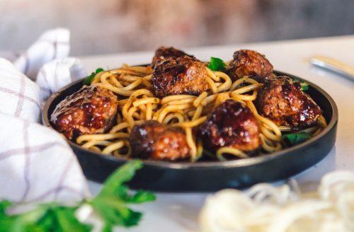 Spaghetti met vegetarische gehaktballetjes: super simpel en snel