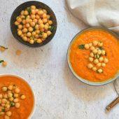 Gezonde buddha bowl met oranje paprika