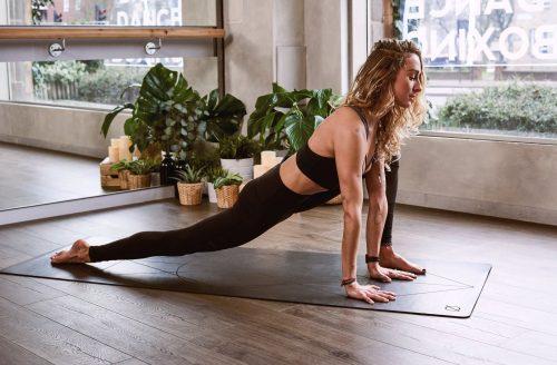 Stijve spieren: deze dagelijkse stretch routine helpt je spieren ontspannen