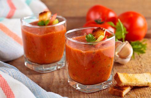 Gazpacho, een heerlijk fris voorafje tijdens deze zomerse dagen