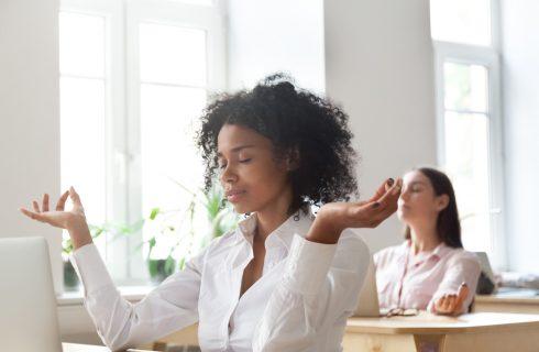 5 meditatie oefeningen voor op het werk