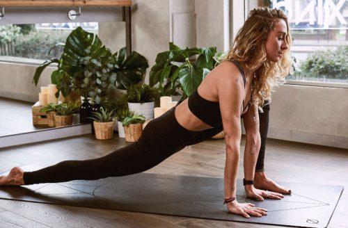 5 tips wanneer je thuis yoga doet