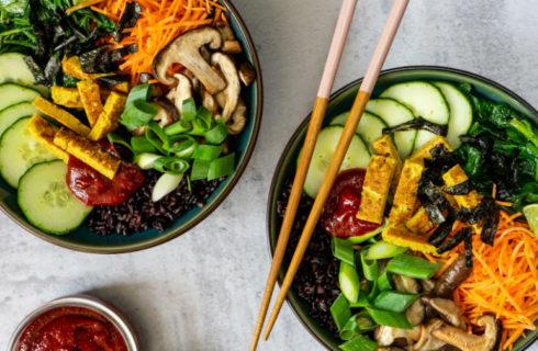 Heerlijke en gezonde plantaardige bibimbap bowl