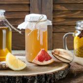 Dit zijn de 3 voordelen van het drinken van citroenwater