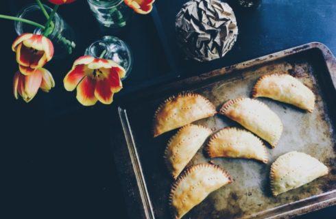 Zo maak je zelf heerlijke Mexicaanse vegetarische empanadas