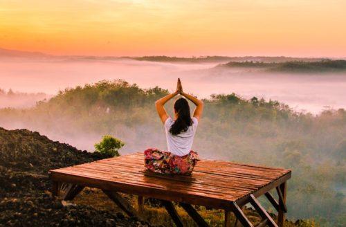 5 x dit zijn de beste yogaoefeningen voor tijdens je menstruatie