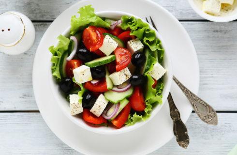 Koolhydraatarme lunch: Griekse halloumi salade