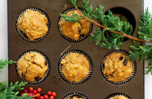 Zalig kerstontbijt: hartige muffins met kruiden en cranberry's