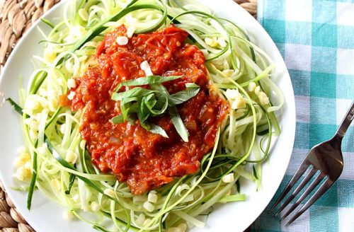 Koolhydraatarm: Courgetti met een heerlijk pittige arrabiata saus