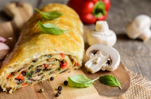 Recept: plantaardige rollade met eekhoorntjesbrood en zongedroogde tomatenvulling