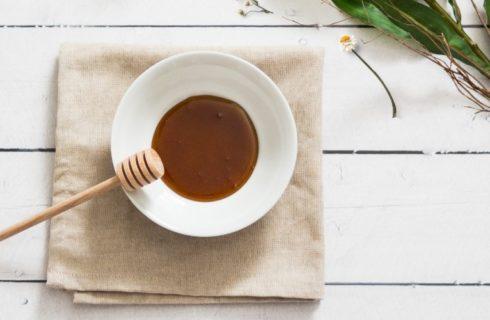 Dit zijn de gezondheidsvoordelen van manuka-honing