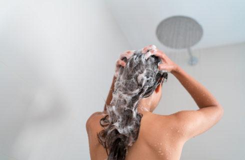 Waarom je in sommige gevallen beter een shampoo zonder sulfaten kunt gebruiken