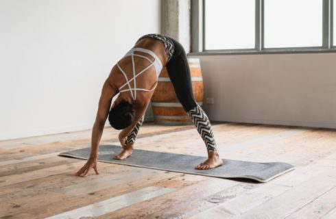 Dit zijn de 5 beste yoga studio's van Amsterdam