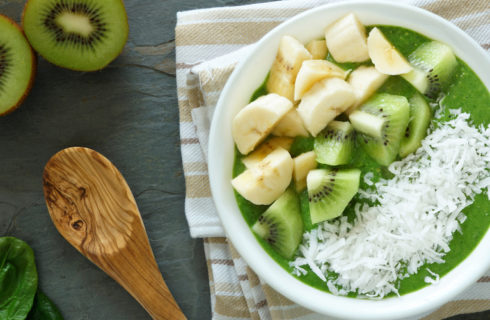 Recept: smoothie bowl met kiwi en spinazie