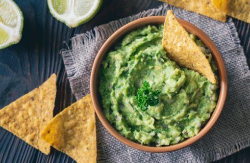Zo maak je zelf deze lekkere guacamole
