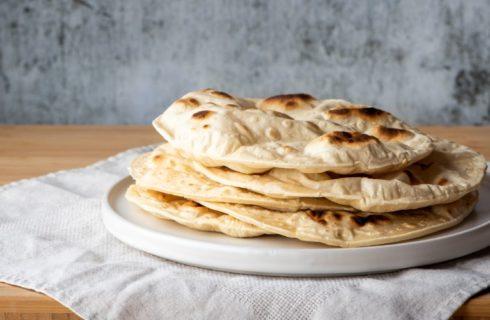 Recept: heerlijke naanbrood sandwich met kip en curry