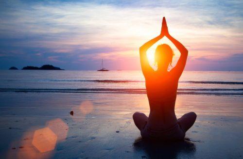 Hoe start ik een yoga flow? De zonnegroet