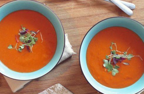 Recept: verse tomatensoep met basilicum