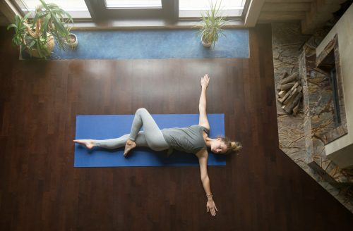 Zo raak je je buikklachten kwijt, met yoga!