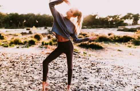 De perfecte yoga outfit? Deze ontwerpster bedacht hem