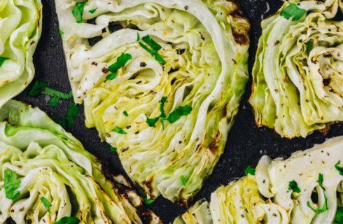 Heerlijke koolwraps met vegetarisch gehakt en radijsjes