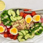Recept: regenboogsalade met tonijn en dragonmayonaise