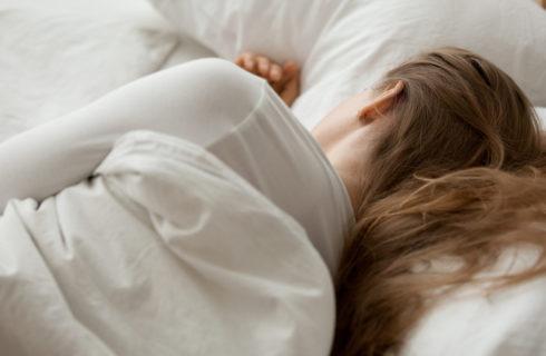 Zo reageert jouw lichaam op een nacht slecht slapen