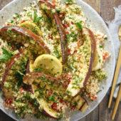 Recept: Bulgursalade met bloemkoolrijst en aubergine