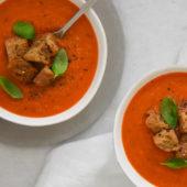 Recept: champignonsoep van huisgemaakte paddenstoelenbouillon