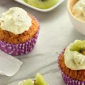 Recept: volkoren muffins met haver, roomkaas en kiwi