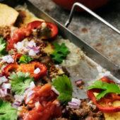 Recept: nachoschotel van gevulde rode puntpaprika's