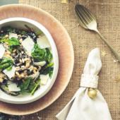Recept: zwarte pasta met witte truffelsaus en spinazie