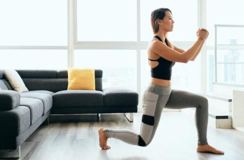 In no-time strakkere benen met deze thuis workout
