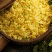 Recept: lekkere kip kerrie met bloemkoolrijst