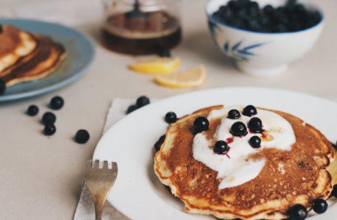 Recept: heerlijke vegan pancakes met blauwe bessen