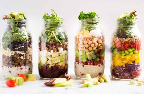 Recept: gezonde 'salad in a jar' met blauwe kaas