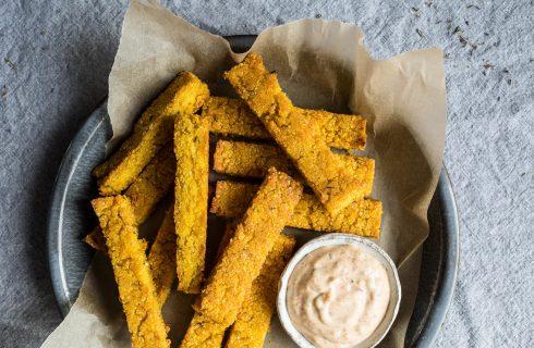 Recept: zelfgemaakte crispy polenta frietjes met cajunmayoniase