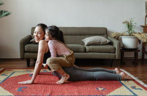 4x kindvriendelijke workouts die het hele gezin fit houden